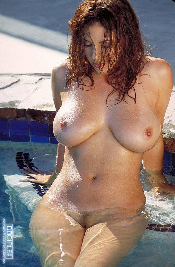 Jelena Jensen красивая большегрудая порно-звезда