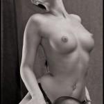 Прекрасная голая Keine Beschreibung