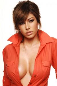 Valentina_Dessi-babe-eyes-chicki-hot-smoking-hot_thumb_585x795