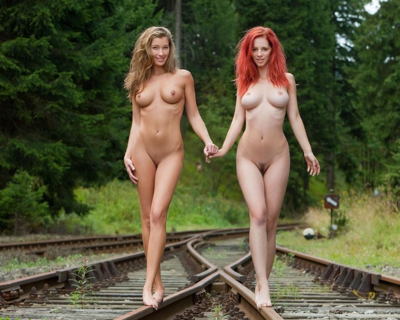 Худосочные красотки модели в порнороликах 11 фотография