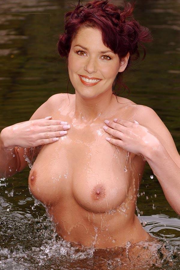 Зрелая красотка Shania Twain с отличной грудью