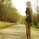 Молоденькая блондиночка и ее попка