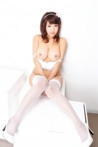 143213-6188_Lyna_Tran_gravure_idol