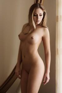 Великолепная девушка с идеальным телом
