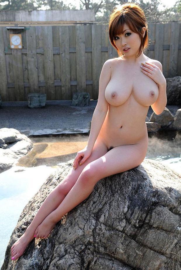 Сисястая азиатка Harumi Nemoto