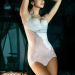 135014-irina-shayk-in-la-clover-underwear-2012-08