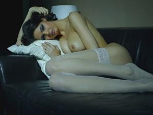 Красотка Zoi с упругой грудью