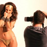 140803-Kelly-Brook-Gold-Bikini-Photoshoot