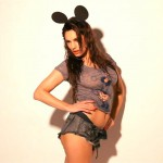 140815-Kelly-Brook-Mickey-Mouse-Ears-Tight-T-Shirt