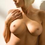 Сексуальная Tiffany Selby с большой грудью