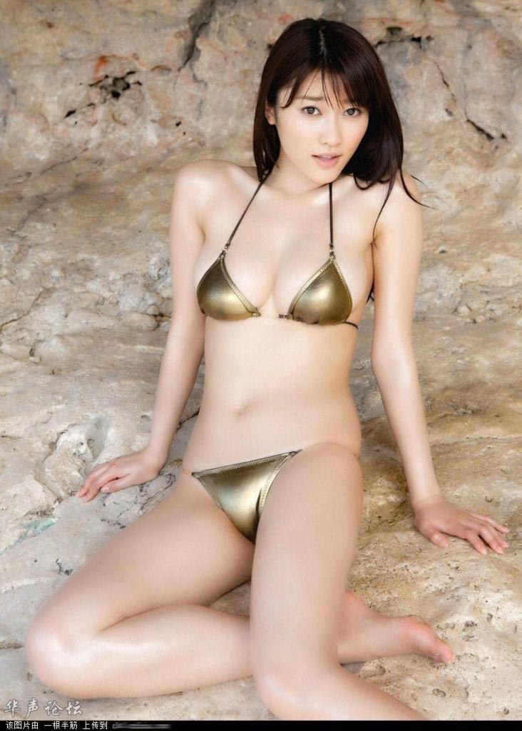 Китайская модель Li Ying