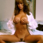 20130821-143837_joanne-szmereta-shows-off-her-nude-80s-body-12