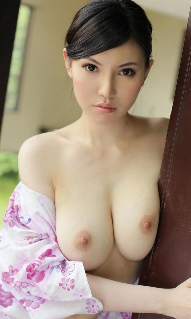 Грудастая азиатка Sofia Takigawa