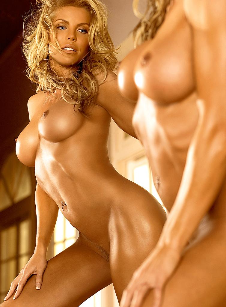 Грудастая блондинка Jessica Canseco