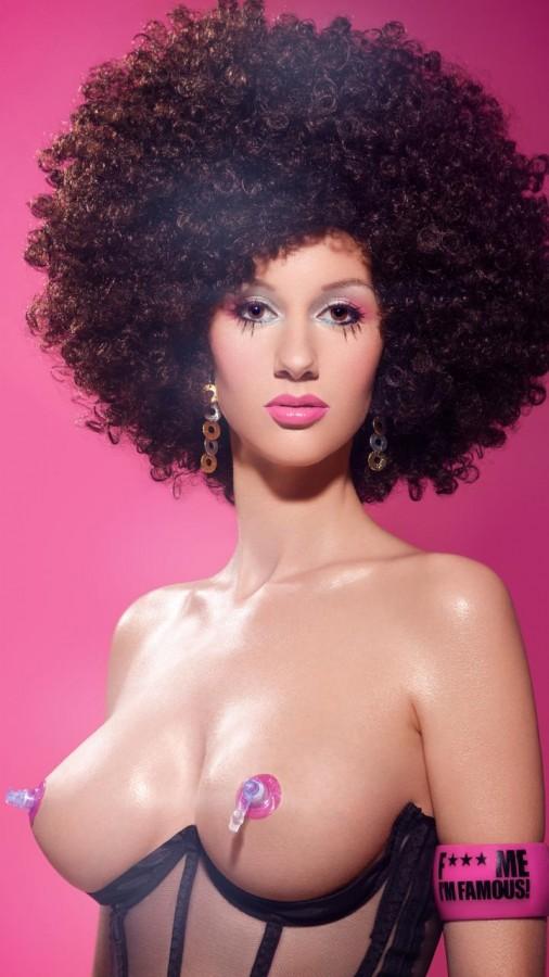 Красотка Danielle v Aalderen с большой грудью