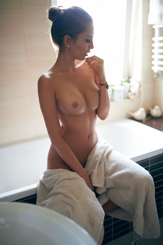Голая красивая латиночка в ванной фото 494-341