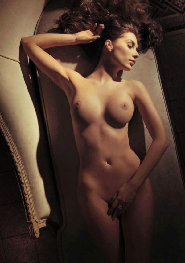 Обалденная брюнетка Marina Emanuela
