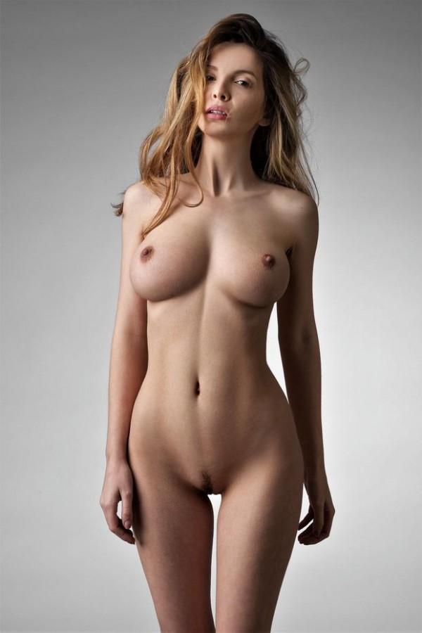 Грудастая красотка с потрясающей грудью