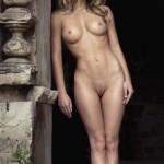 Стройная красотка с идеальным упругим телом