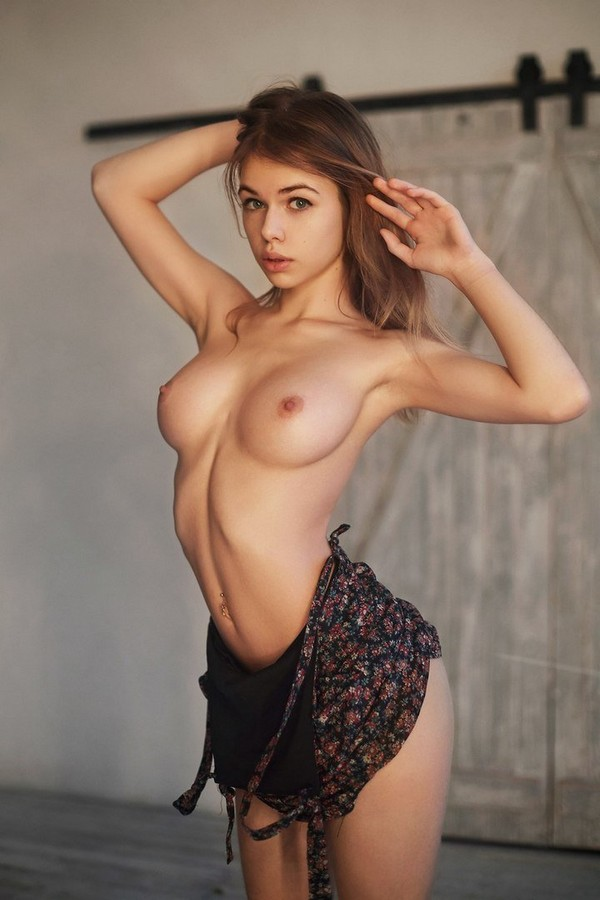 Молоденькая модель с обалденным телом